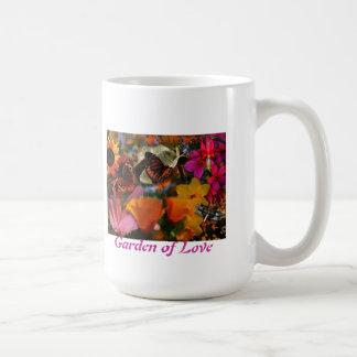 Jardín de la taza de café del amor