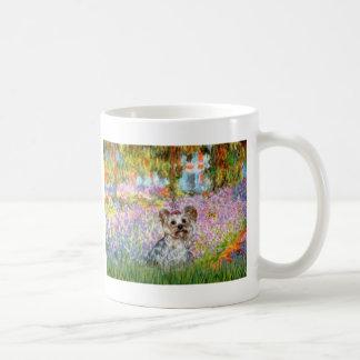 Jardín de Yorkshire Terrier (13) - Taza Clásica