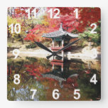 Jardín del japonés del otoño de Seul Relojes De Pared
