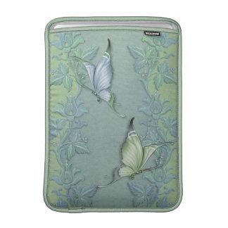 Jardín del pastel de la mariposa fundas macbook air