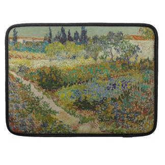 Jardín en Arles de Vincent van Gogh Funda Para Macbook Pro