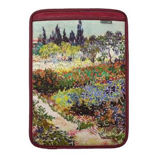 Jardín floreciente de Van Gogh en la bella arte Fundas MacBook