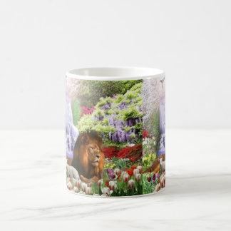 Jardín hermoso taza