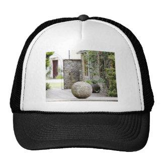 Jardín inglés - bola de piedra gorro