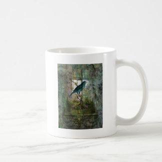 Jardín interior con el pájaro taza clásica