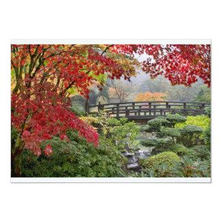 Jardín japonés en una tarjeta de niebla de la comunicado personalizado
