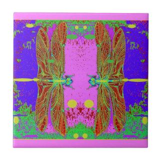 Jardín rosado de la luna de las libélulas verdes p azulejos ceramicos