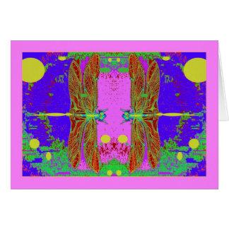 Jardín rosado de la luna de las libélulas verdes p tarjeton