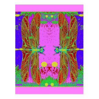 Jardín rosado de la luna de las libélulas verdes p tarjeta postal