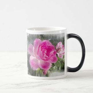 Jardín rosado subió taza