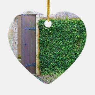 Jardín secreto adorno navideño de cerámica en forma de corazón