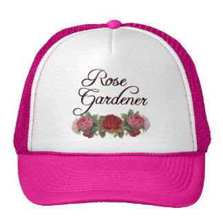 Jardinero color de rosa que dice con los rosas gorro de camionero