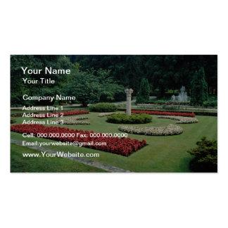 Jardines botánicos rojos del chalet Tranto en el l Plantillas De Tarjetas Personales