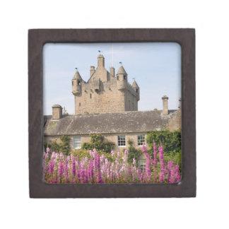 Jardines hermosos y castillo famoso en Escocia 2 Caja De Recuerdo De Calidad