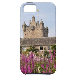 Jardines hermosos y castillo famoso en Escocia 2 iPhone 5 Case-Mate Funda