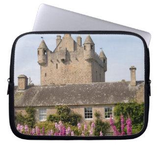 Jardines hermosos y castillo famoso en Escocia 2 Fundas Portátiles