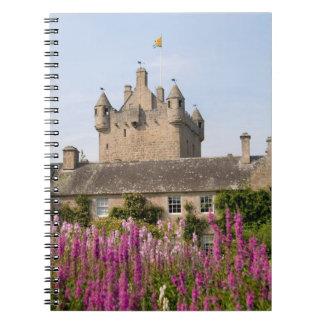 Jardines hermosos y castillo famoso en Escocia 2 Libreta Espiral