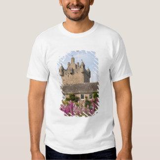 Jardines hermosos y castillo famoso en Escocia 2 Polera