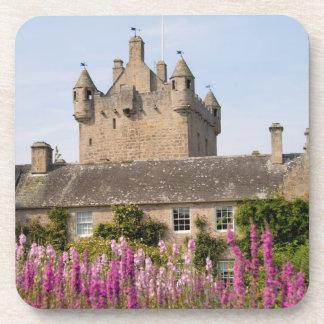 Jardines hermosos y castillo famoso en Escocia 2 Posavasos De Bebidas
