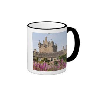Jardines hermosos y castillo famoso en Escocia 2 Taza De Dos Colores