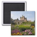 Jardines hermosos y castillo famoso en Escocia Imán De Frigorífico
