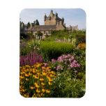 Jardines hermosos y castillo famoso en Escocia Imán Rectangular