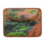 Jardines japoneses en otoño en Portland, Oregon 3 Fundas Macbook Pro