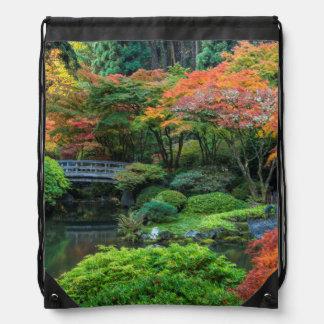 Jardines japoneses en otoño en Portland, Oregon 3 Mochilas