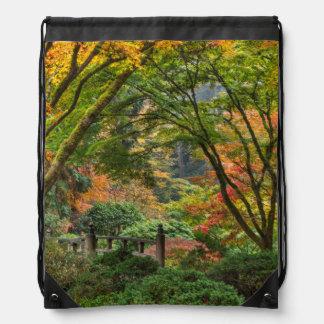 Jardines japoneses en otoño en Portland, Oregon 4 Mochilas
