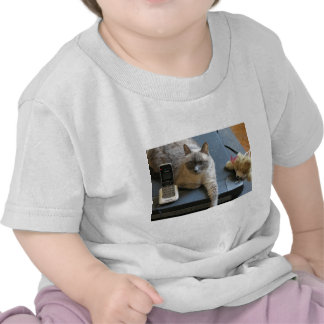 Jasmine the Siamese Cat takes care of business Shirts
