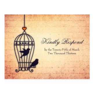 Jaula de pájaros imaginaria con el corazón del oro tarjeta postal