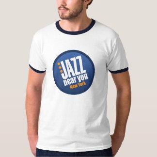 Jazz cerca de usted camiseta del campanero del remera