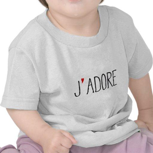 Je adora, arte francés de la palabra con el corazó camiseta