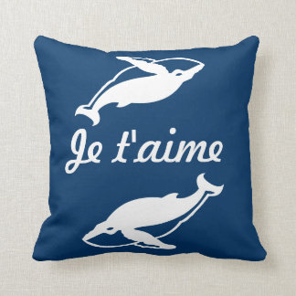 Je t'aime white whales  on blue pillow