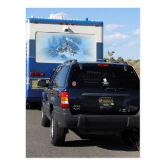 Jeep azul de la obra clásica rv Motorhome del Postal