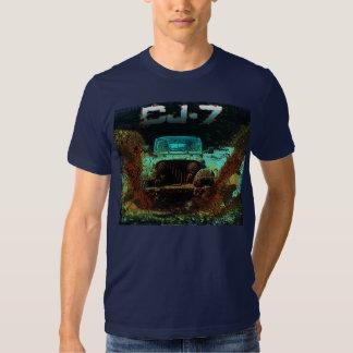 Jeep CJ7 que golpea la escena del fango Playera