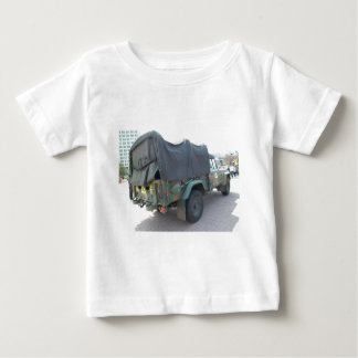 Jeep militar coreano playera de bebé