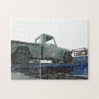 Jeep verde del vintage rompecabezas con fotos