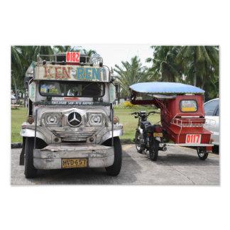 Jeepney y triciclo fotografía