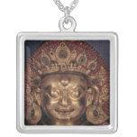 Jefe de Bhairava, fin del siglo XVII Colgantes