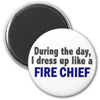 Jefe de bomberos durante el día iman