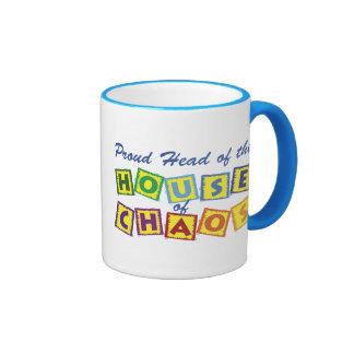 Jefe de la casa del caos taza de dos colores