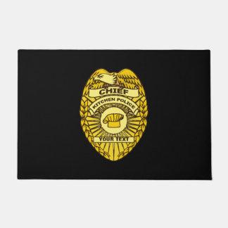 Jefe de la insignia de la policía de cocina felpudo