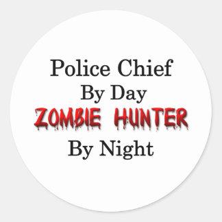 Jefe de policía/cazador del zombi pegatina redonda