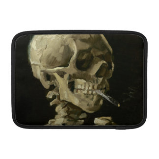 Jefe del esqueleto con el cigarrillo de Van Gogh Funda MacBook