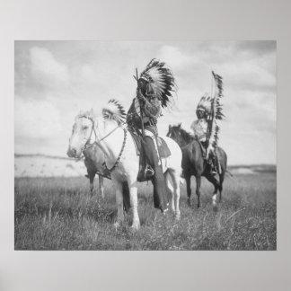 Jefe indio a caballo, 1905. Foto del vintage Póster