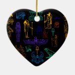 Jeroglíficos y símbolos egipcios antiguos adorno de cerámica en forma de corazón