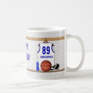 Jersey blanco y azul personalizado del baloncesto taza de café