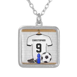 Jersey de fútbol negro blanco personalizado del collar plateado