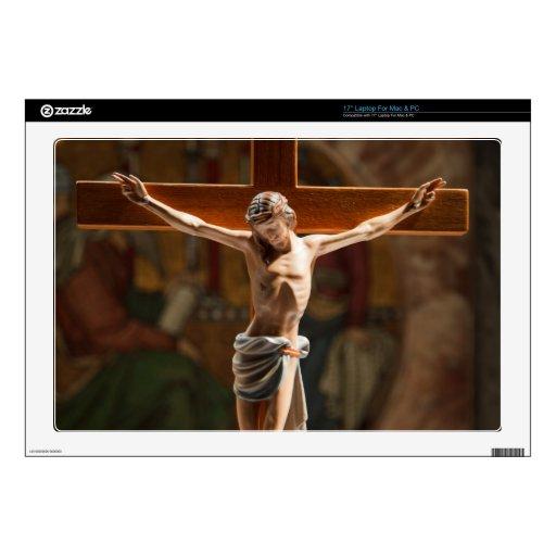 Jesucristo en la cruz skins para portátil